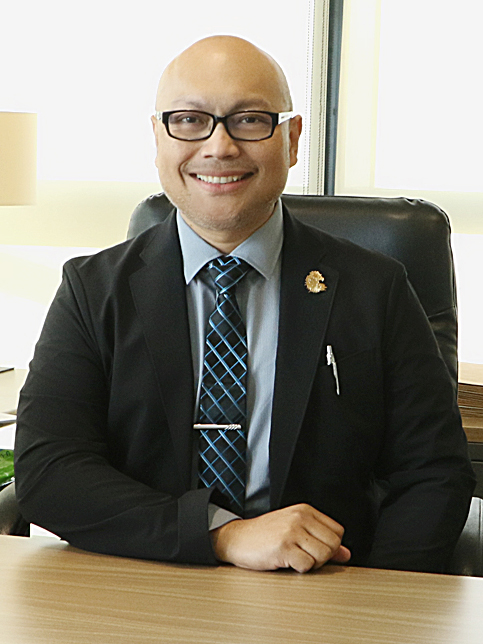 Dr Arney Uy